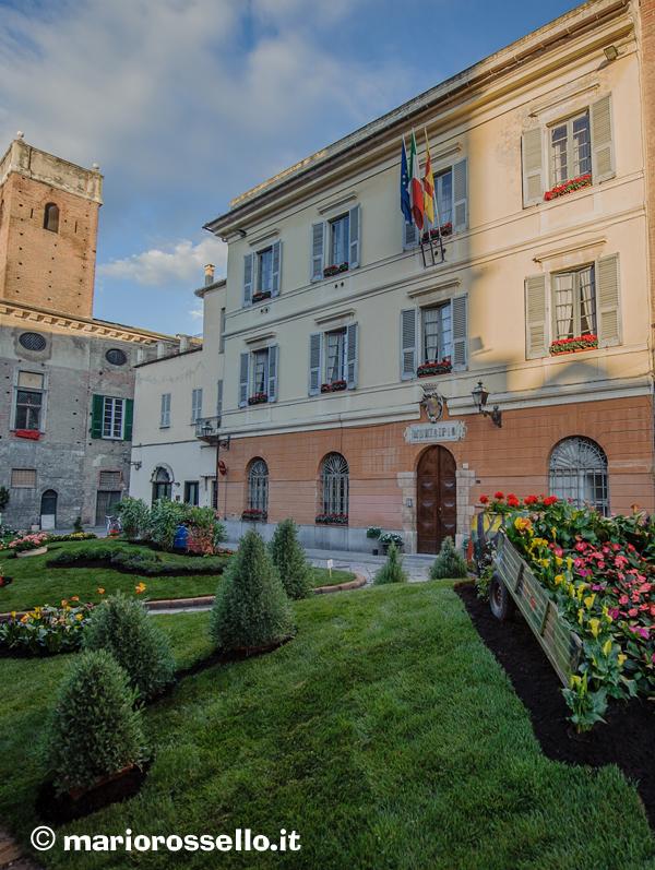 La rivista dei cittadini ingauni Albenga in fiore